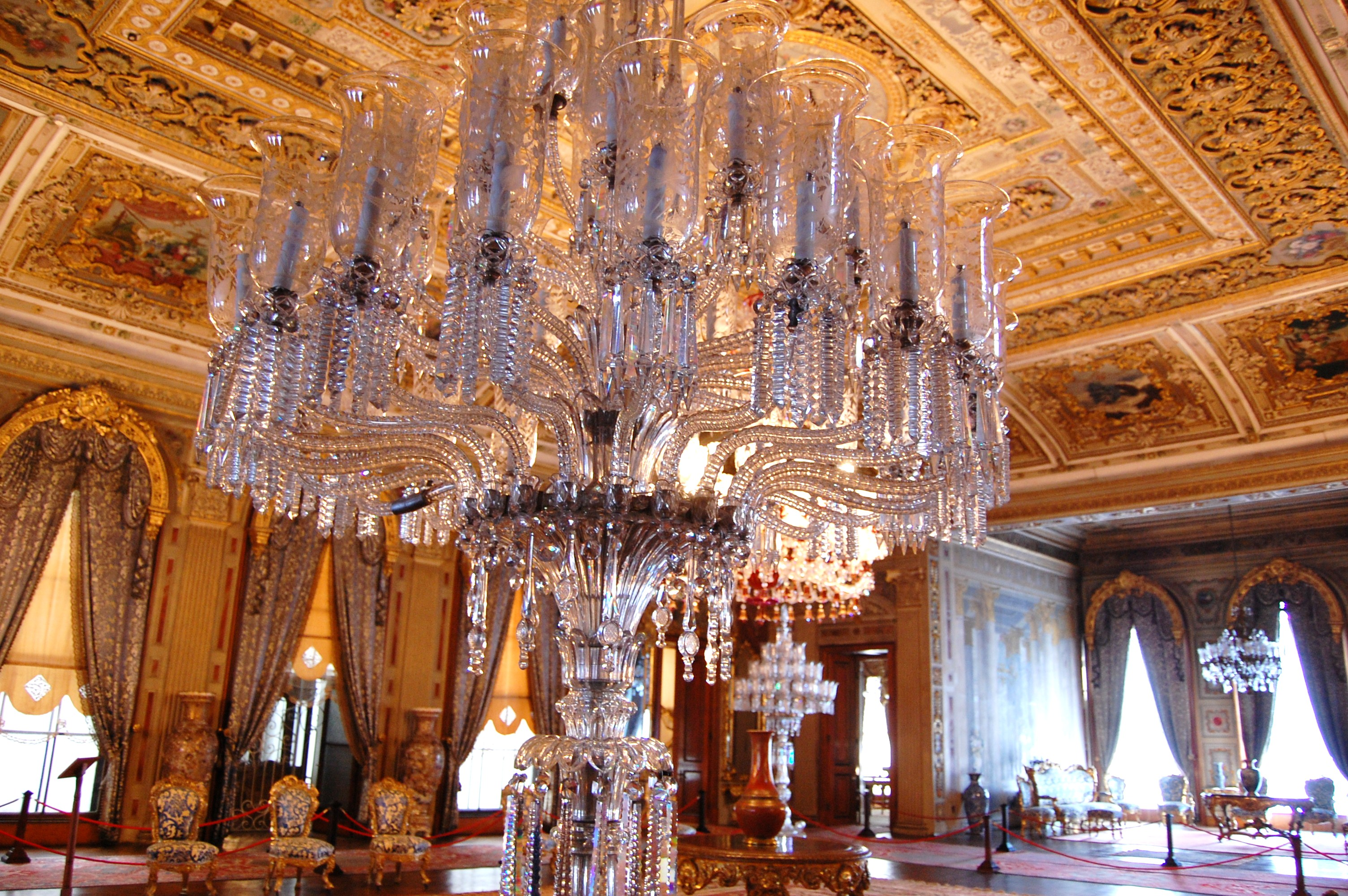 Istanbul - Dolmabahce Palace Largest Crystal Lamp | Big ... |Dolmabahce Palace Chandelier
