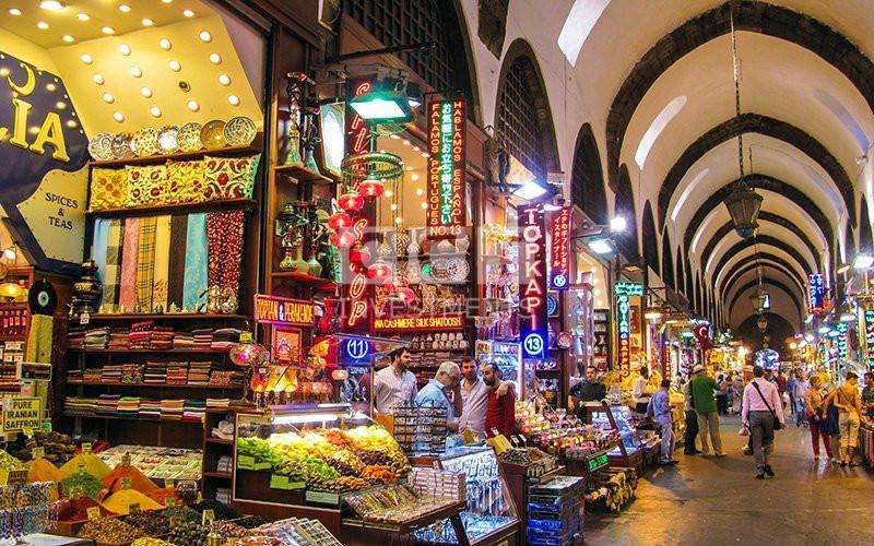 Kapalı-Çarşı-and-Mısır-Çarşısı